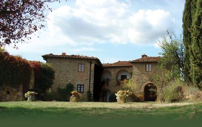 Photo for Villa - charming on Tuscan hill with breathtaking views - swimming pool