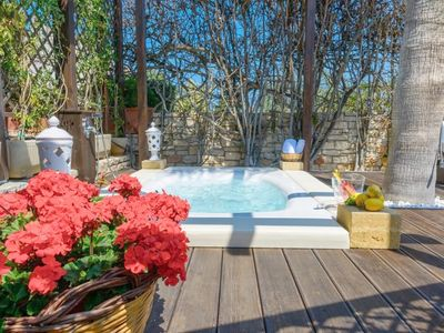 Photo for Villa with Jacuzzi and garden - Villa Artemia