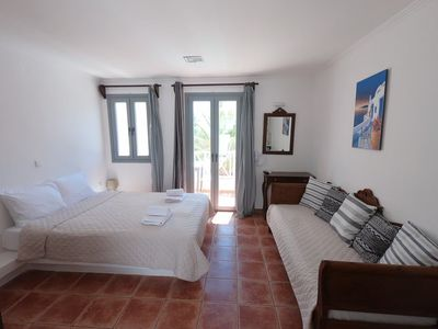 Photo for 5 persons Apartment 30 meters from Perissa Beach