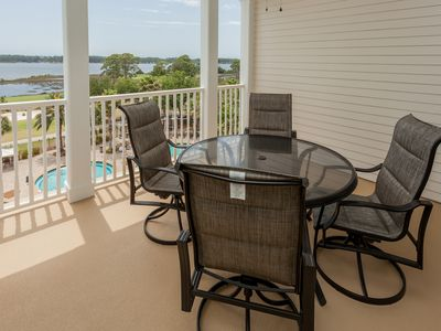 Photo for Fifth-floor condo w/ gorgeous views, shared hot tub & huge lagoon pool!