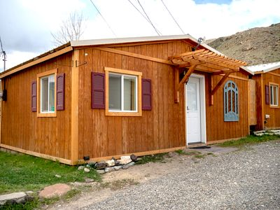 Cozy 1 bedroom cabin in the heart of Gardiner MT at Entrance of Yellowstone Park