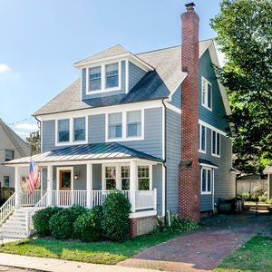 Photo for DOWNTOWN ANNAPOLIS LUXURY HOME - WALK TO EVERYTHING ANNAPOLIS HAS TO OFFER!
