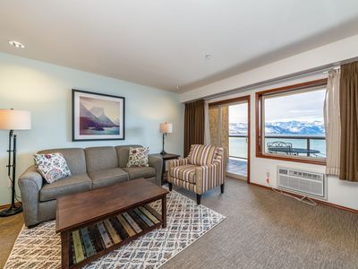 Photo for Grandview Lake View 526! Luxury Waterfront condo, sleeps up to 6!