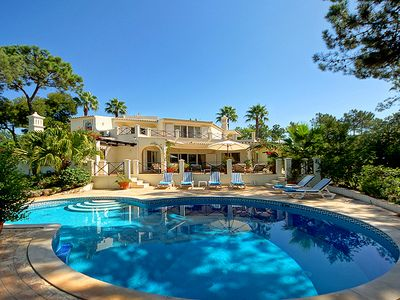 Photo for Beautiful Villa with Private Pool in the Monte Golfe area of Quinta do Lago W118