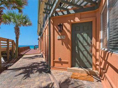 Photo for Gulf Front Townhome! 2 Master Suites and 2 Sets of Seasonal Beach Service!