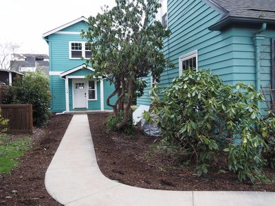 Private Spacious| Family Friendly| Walkable| 10 min from Downtown