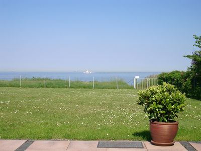 Photo for Family friendly apartment right on the water on the sunny island of Fehmarn