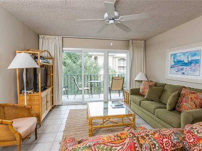 Photo for Spacious, Oceanfront Condominium Great for Small Families with Pool, Beach Access