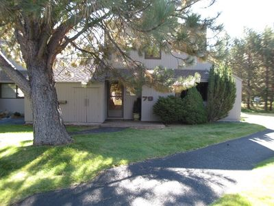 Photo for 79 Meadow House: 2 BR / 2 BA condo in Sunriver, Sleeps 6