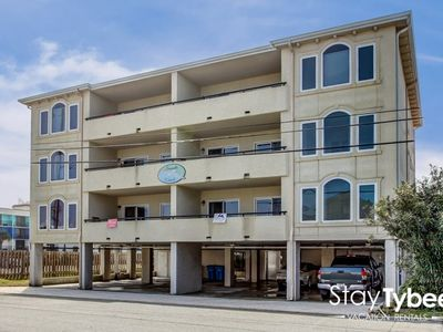Photo for Beautifully Decorated Condo with Elevator & Only 75 Yards To The Beach.