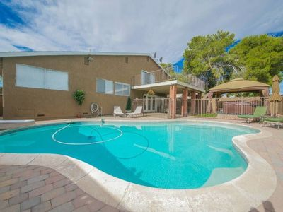 Photo for 4br 9m to Vegas Strip with Spa