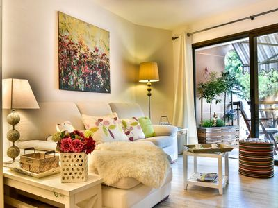 Photo for Outstanding apartment facing the beach and the marina of La Napoule