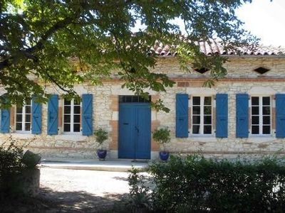 Photo for Gascon stone farmhouse with pool, 30 minutes from Toulouse