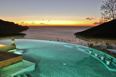 One of my favourite views. Sunset over the Infinity Pool. Simply breathtaking