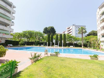 Photo for Central apartment 4 pax with pool near nightlife area of Salou