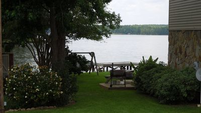 """Photo for Beautiful & Relaxing Lakefront Home- Only """"7 MINUTES"""" from downtown M'VILLE"""