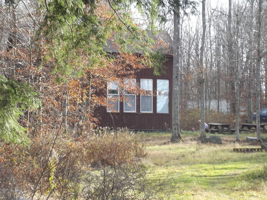 3 bedroom cabin on private secluded lake pr vrbo for Long pond pa cabin rentals
