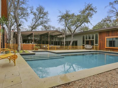 Photo for Luxurious 5Bed-5Bath Home - Pool, Guest House & Outdoor Chef Kitchen Walk to ACL