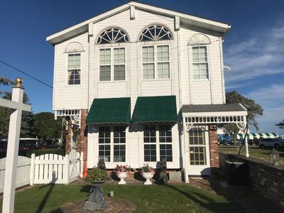 Photo for Tiffany's Premier Studio Vacation Rental Downtown Mackinaw City