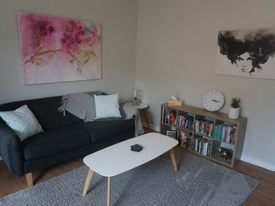 Photo for Cheerful 2Bd Apartment 15min from CBD