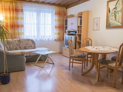Photo for Vacation apartment in the outskirts of town, 200m away from the Donau bike trail