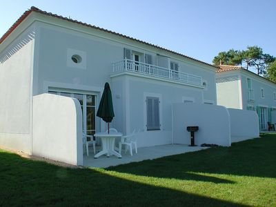 Photo for spacious house, close to the golf course, swimming pool