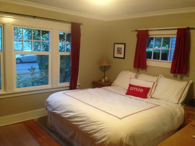 Photo for Seattle Getaway - Close To Beach, City And Great Dining