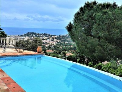 Photo for Villa Cavalaire-sur-Mer, 4 bedrooms, 9 persons