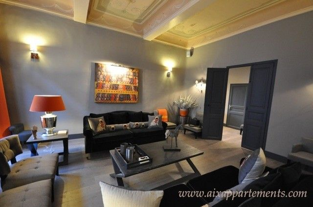 Aix appartement de luxe quartier mazarin dans un hotel for Salon du luxe monaco