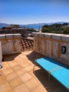 Photo for Cozy three-room apartment with communal pool, 50 m from the beach