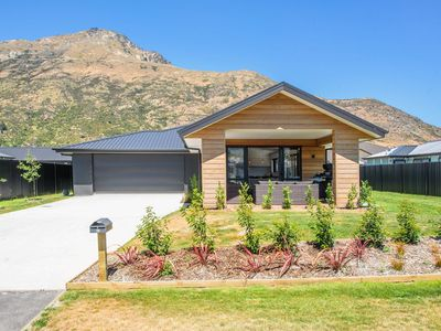 Photo for Wanderlust - Queenstown Holiday Home