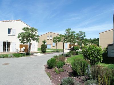 Photo for Vacation home Les Demeures du Ventoux (ABG100) in Aubignan - 4 persons, 1 bedrooms