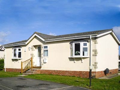 Photo for 30 GUNVER, family friendly, with a garden in St Merryn, Ref 904010