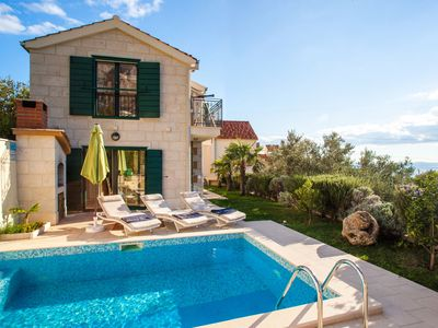 Photo for Villa Nirvana with Swimming Pool