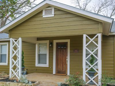 Photo for Adorable Private Home in Quiet Neighborhood