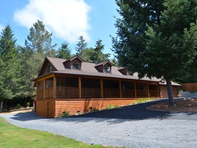Photo for WineBerry Lodge, Gourmet In/Outdoor Kitchens, Spa