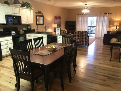 Incredible 3 Br 2 Bath Condo On Table Rock Lake With Dock Access Hollister Beutiful Home Inspiration Ommitmahrainfo