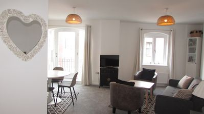 Photo for City Centre, 1 Bed, spacious and comfortable +1 free parking space.