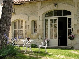 Photo for Spacious Gite with Pool in Beautiful Rural Location only 3 miles from Aubeterre