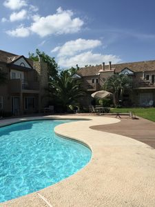 Photo for Beautiful 2/2 Condo with pool next to Horseshoe Bay Resort
