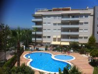 Lovely apartment, well equipped and close to beach!