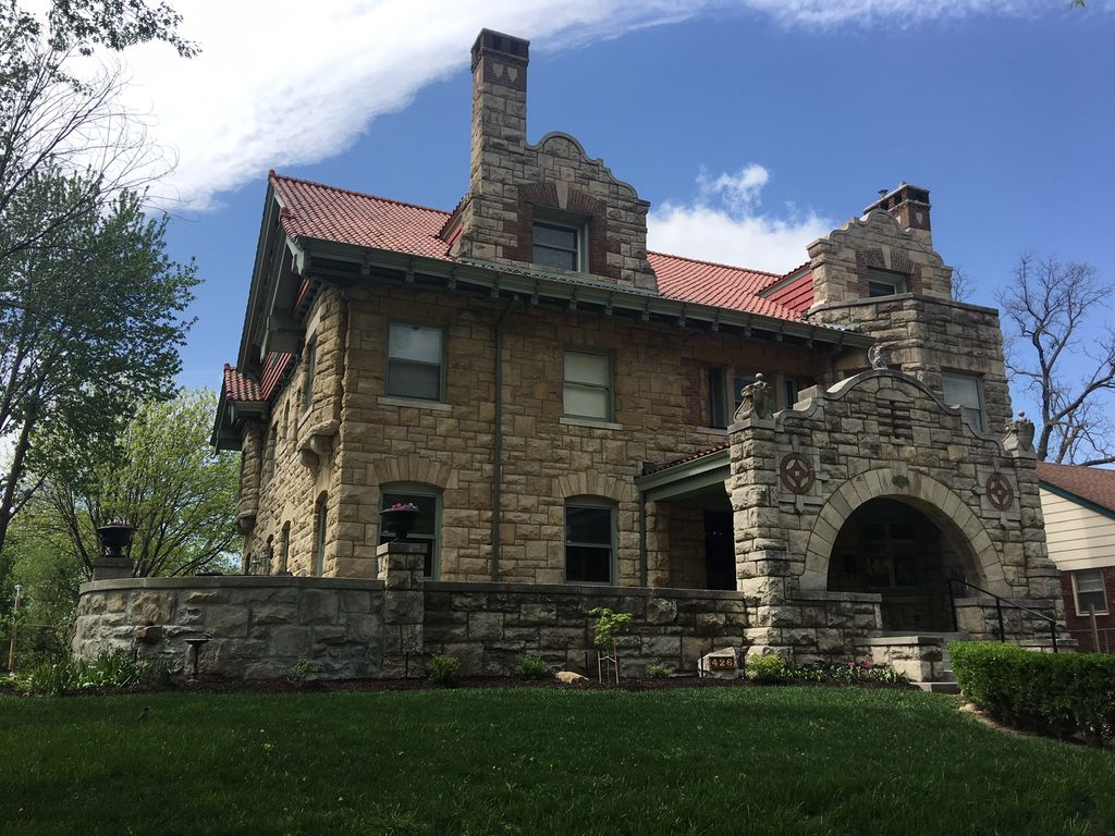 Historic Mansion In The Scarritt Renaissance District