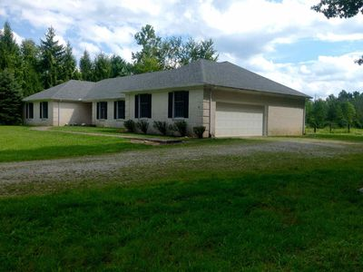 Event and Family-Friendly Secluded Home with Free Wi-Fi