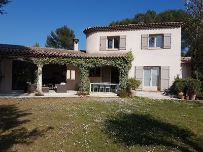 Photo for Provencal house located in a haven of peace