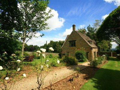 Photo for WINDY RIDGE COTTAGE, pet friendly in Longborough, Ref 988762