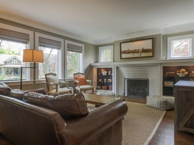 Charming Grosse Pointe Flat in The Village