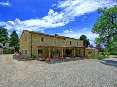Photo for Apartment with WIFI, pool, washing machine, pets allowed, parking, close to Greve In Chianti