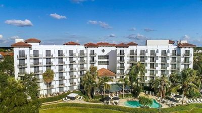 Photo for Beautiful Resort Style Unit w/ Heated Pool, Gym, & Close to the Beach!