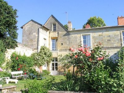 Photo for Cosy Apartment for two In 17th Century Historic Townhouse between Saumur /Chinon
