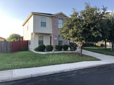 Photo for Entire house! 12 guests, 7 beds.  10 mins to Lackland and 13 to SeaWorld!